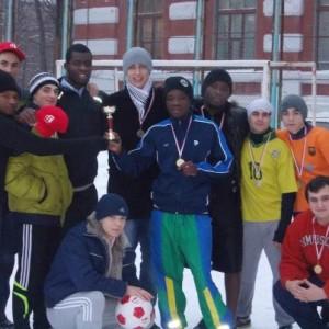 Équipe victorieuse au tournoi du Club RFI  d'Ukraine.Photo de Mamady Keita