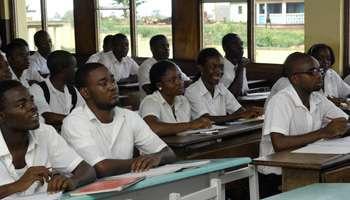 Des lycéens dans une salle de classe source Google images