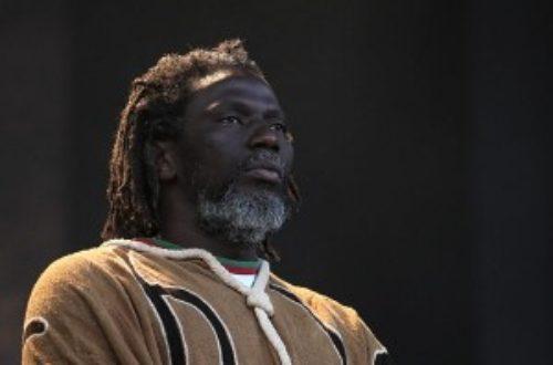 Article : Afrique mon Afrique, un parcours en cinq titres